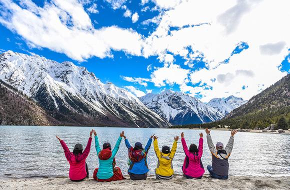 林芝巴松措、雅鲁藏布大峡谷、波密、米堆冰川、然乌湖深度5日游