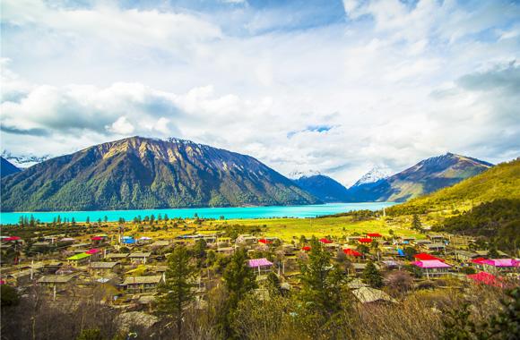 拉萨+林芝冰湖、雅鲁藏布大峡谷+纳木错+羊湖7晚8日游